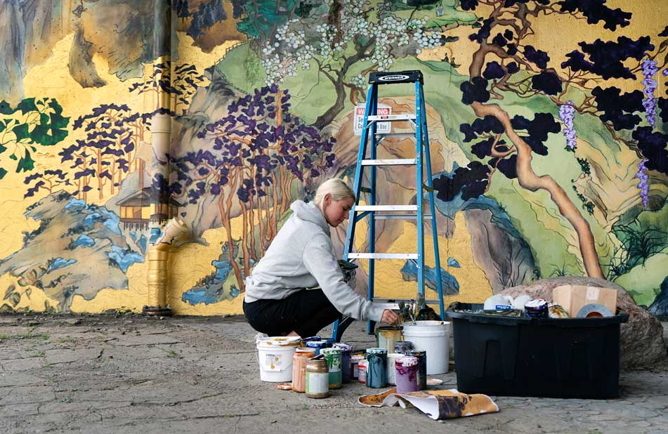 Anna Murphy Chicago muralist and artist